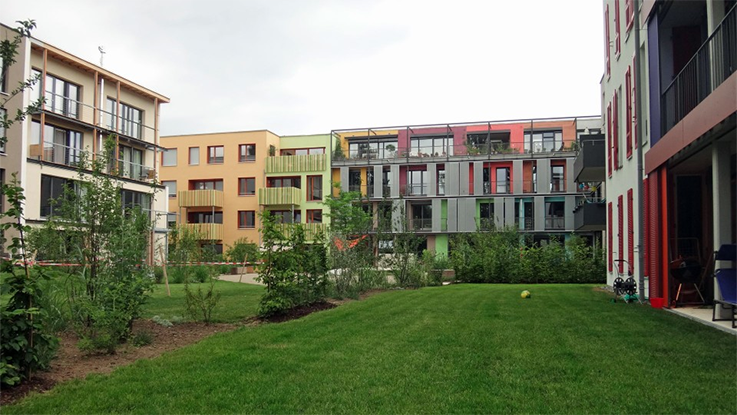 The Alte Weberei project in Tubingen provides a wide mix of self build opportunities at scale – for groups, individuals, medium earners and those on lower incomes. Here around 25 groups have built hundreds of wonderful new homes. Credit - Ted Stevens.